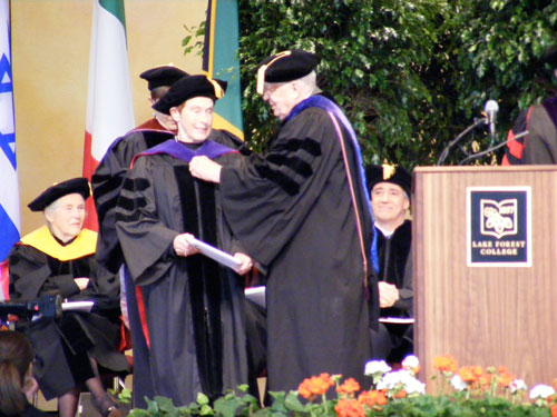 Dr. Maria Velez de Berliner receives her honorary doctorate